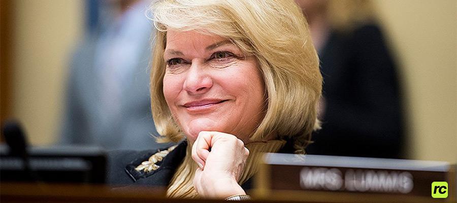 Сенатор США Синтия Луммис говорит о предстоящих переговорах с Джо Байденом о Биткоине